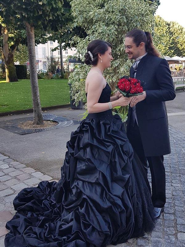 Robe de mariée Noire Ceremony Day